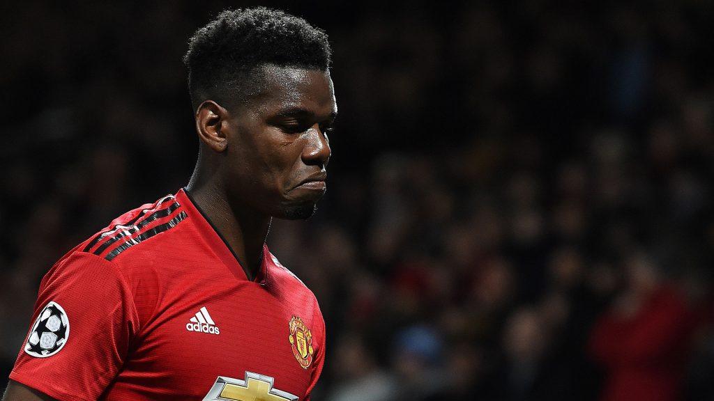'Stay forever' — Người hâm mộ Manchester United tung hô cầu thủ và cầu xin anh ta đừng rời câu lạc bộ